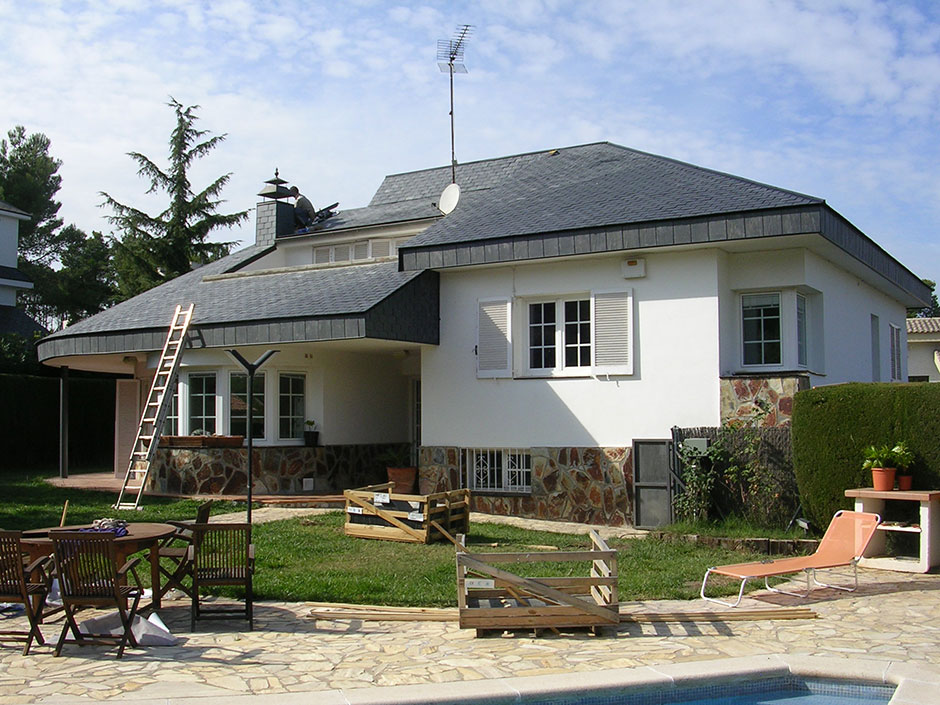 Rehabilitaci n de tejados de teja pizarra y zinc for Tipos de tejados de casas